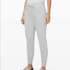 NWT Lululemon Athletica Warm Down Jogger Velour